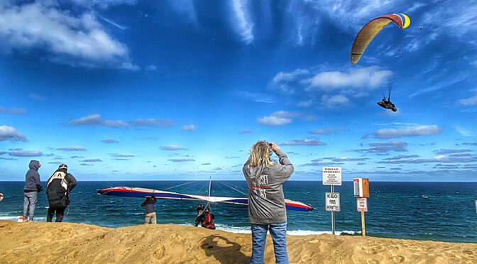 Windy Weather Brings Hang Gliders And Para Gliders To White Crest Beach On Cape Cod.