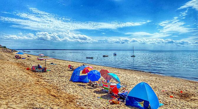 Sunken Meadow Beach On Cape Cod Bay.